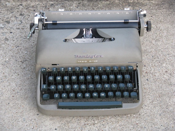 remington travel riter portable typewriter with case 1950s