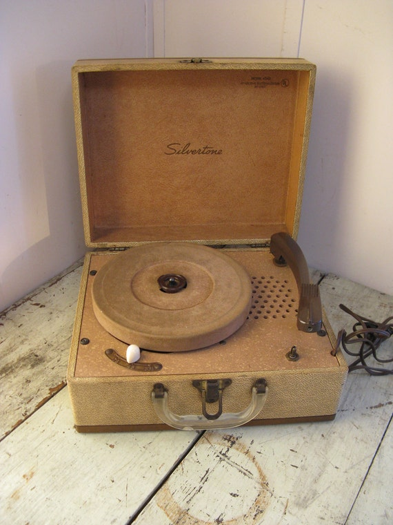 silvertone portable record player model 4242 by ...