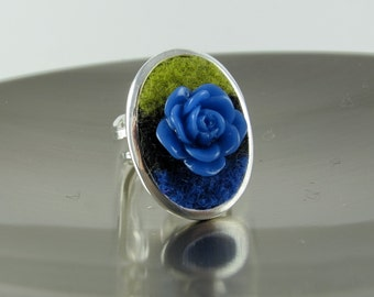 RING,  Blue and Green Felted Recycled Wool, Metal Oval Bezel Setting, Silvertone, Blue Resin Rose, Adjustable