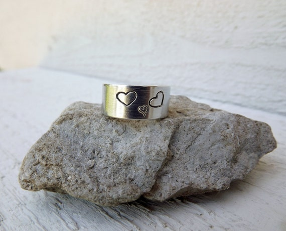 Silver aluminum cuff pregnancy expecting ring with 3 hearts free shipping
