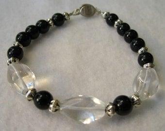 Bracelet Black Glass and Three Quartz, Bracelet Black, Bracelet Magnetic