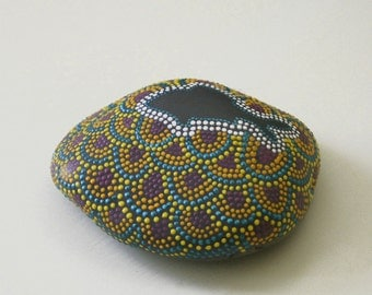 Hand Painted Fish & Scale Pattern Dot Rock