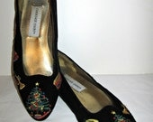 SALE - Vintage Christmas Themed Flats Size 6