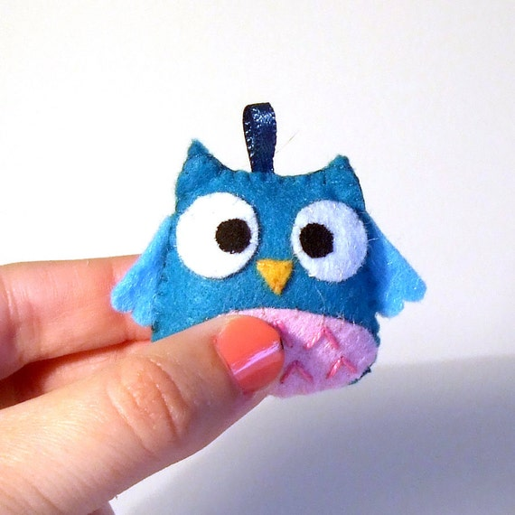 pink and blue happy owl keychain plushie