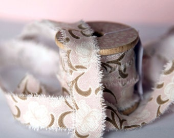 Frayed fabric ribbon (adhesive) - PALE ROSE