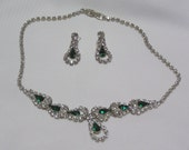 Vintage..Emerald Green Tear Dropsin sparkling Clear rhinestone collars Necklace and Pierced earrings