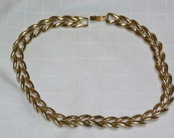 Vintage Krementz gold tone necklace