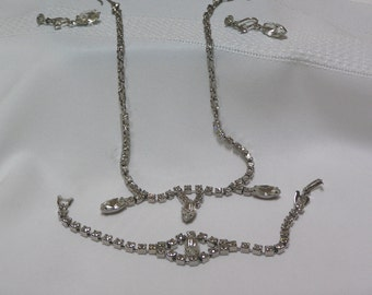 Vintage Marquis Cut and round Clear Rhinestones Screw back Wedding Prom New Years 1950s Parure Set