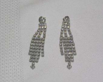 VINTAGE Chandilier --New Years Eve-- Sparkling Rhinestone Pierced Earrings