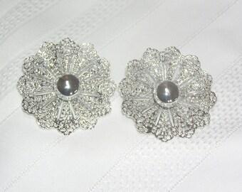Vintage Sarah Coventry Silvertone Filigree Petals Flower Clip Earrngs