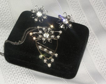 Vintage BN Rhinestone flowers in Silver tone Open Frame  Pendant..Pin..Necklace..Screw Back Earrings