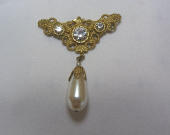 Vintage Miriam Haskell Victorian..Rhinestone..gold tone filigree.. Large faux Tear Drop Pearl Brooch