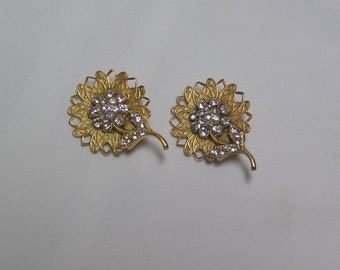 Vintage Rhinestone and gold tone Flower Clip Earrings