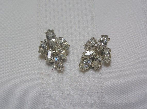 Vintage Rhinestone Marquis Cut Leaf Cluster Designer Quality Clip Earrings