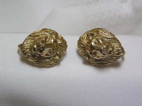 Crown Trifari Gold Tone..Lion King..clip Earrings