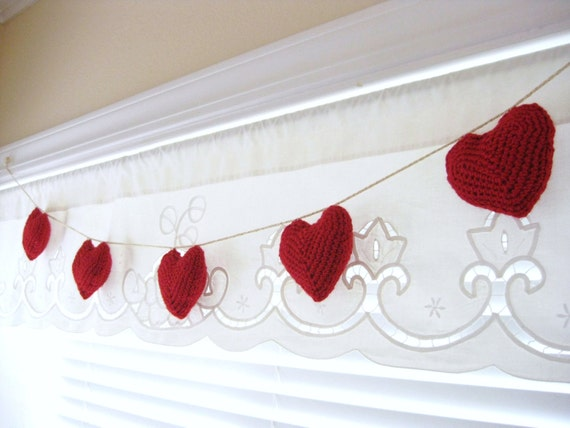 Crocheted Hearts Garland-Red Puffed-Valentine