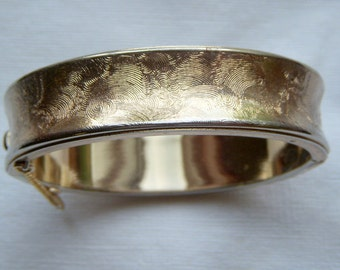 1972 Sarah Coventry Gold Florentine Bangle