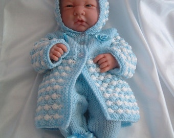 Knitting pattern for dolls outfit to fit 14 inch - 16 dolls