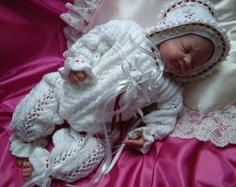Knitting pattern for romper suit to fit 16 inch - 20 inch reborn doll