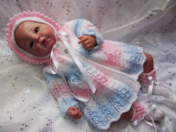 "Knitting pattern for 18""-22"" Reborn dolls or 0-3 month baby"