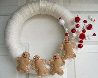 "Yarn Wreath Delicious Gingerbread Men 12"""