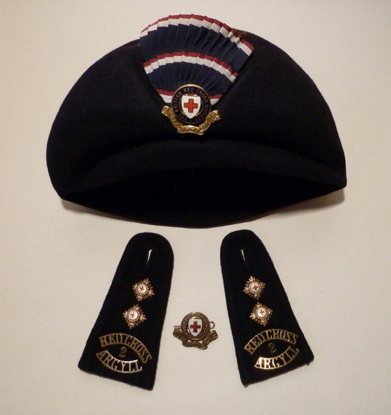 RED CROSS Badges and Beret