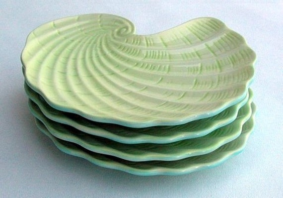 Shell shaped appetizer plates in lime & aqua