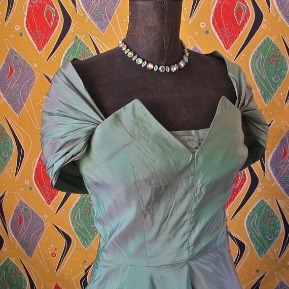 Vintage 40's Dress Gorgeous Green Sheen Off Shoulder 40's/50's Cocktail Prom Rockabilly Starlet Dress