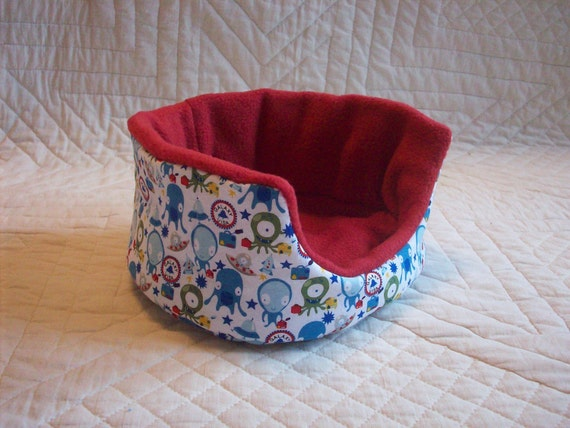 Out of this World Oval Cuddle Cup for Guinea Pig Hedgehog Rat Small Animals