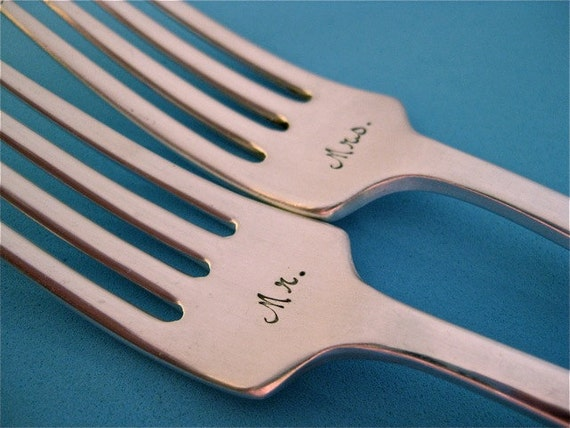 Personalized Wedding Forks Mr and Mrs Wedding Cake Forks with Wedding Date Hand Stamped