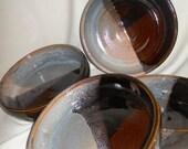 Set of shallow pasta\/soup bowls