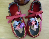 Sz 5 Leather Moccasins with Flowers with Free Shipping