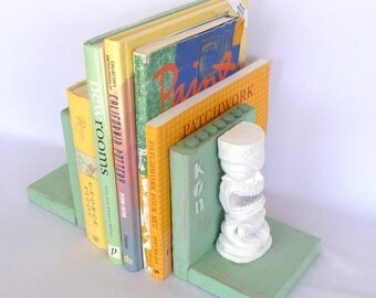 KON TIKI BOOKENDS/ Cottage Style
