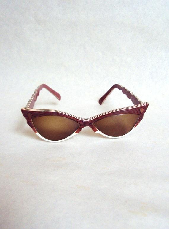 1950s Brown & white stripe cat eye sunglasses