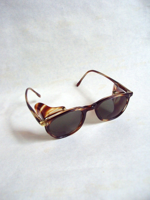 1940s Tortoiseshell effect lucite driving sunglasses with side shield