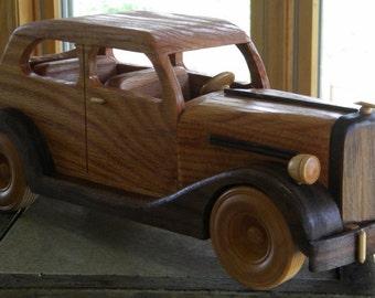 1935 Ford Sedan Wooden Replica