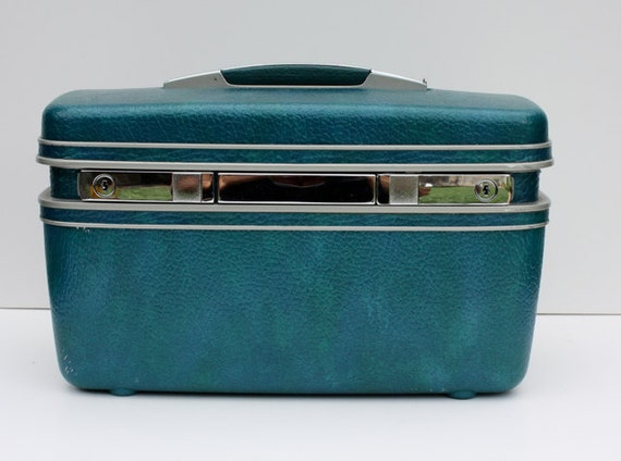 Vintage Metallic TEAL Blue Samsonite Train Case with KEY