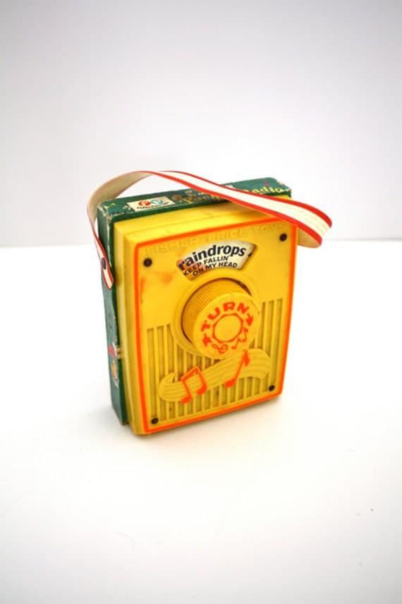 Vintage Fisher Price Toy Pocket Radio RAIN-DROPS Music Box