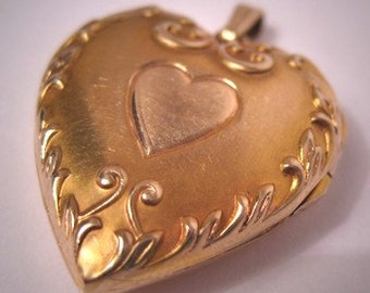 Antique Gold Locket Vintage Art Nouveau Puffy Heart