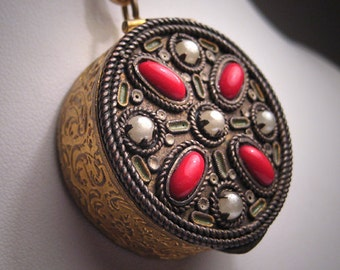 Antique Renaissance Revival Locket Vintage Victorian France