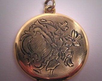 Antique Art Nouveau Locket Pendant Vintage Victorian