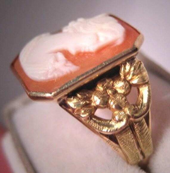 Antique Cameo Ring Vintage Art Nouveau Deco Ornate Floral Setting