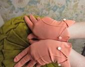1950s Gloves - Wrist Length - Pale Peach Nylon w. Button Detail