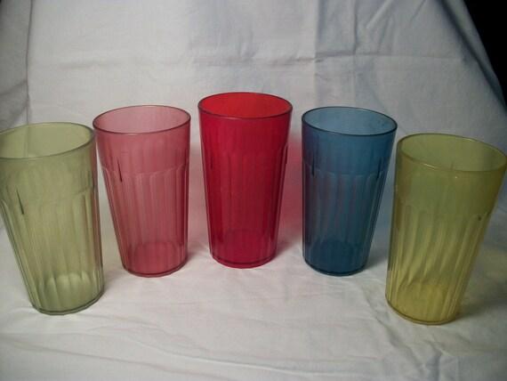 5 plastic glasses vintage colored drinking glasses