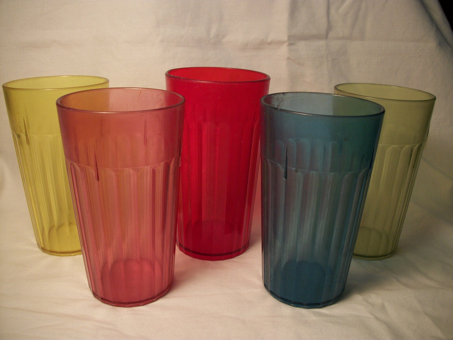 Plastic cups that look like glass