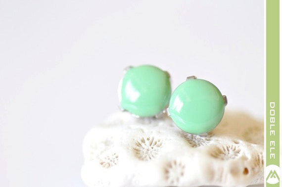 Glossy Dot Ear Posts - 10mm - Light Green