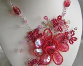 Wirewrapped Necklace in Lots of Pinks