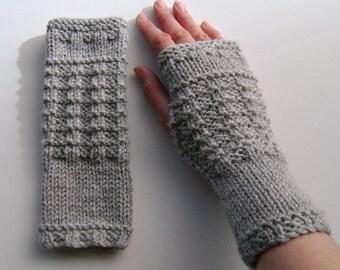 Fingerless Gloves / Mittens / Wrist Warmers in Light Grey Aran Wool