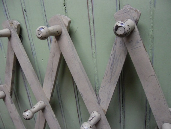 Painted Peg Rack / Cottage Chic