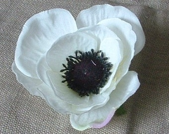Lot of 3 Anemone -  Off -White